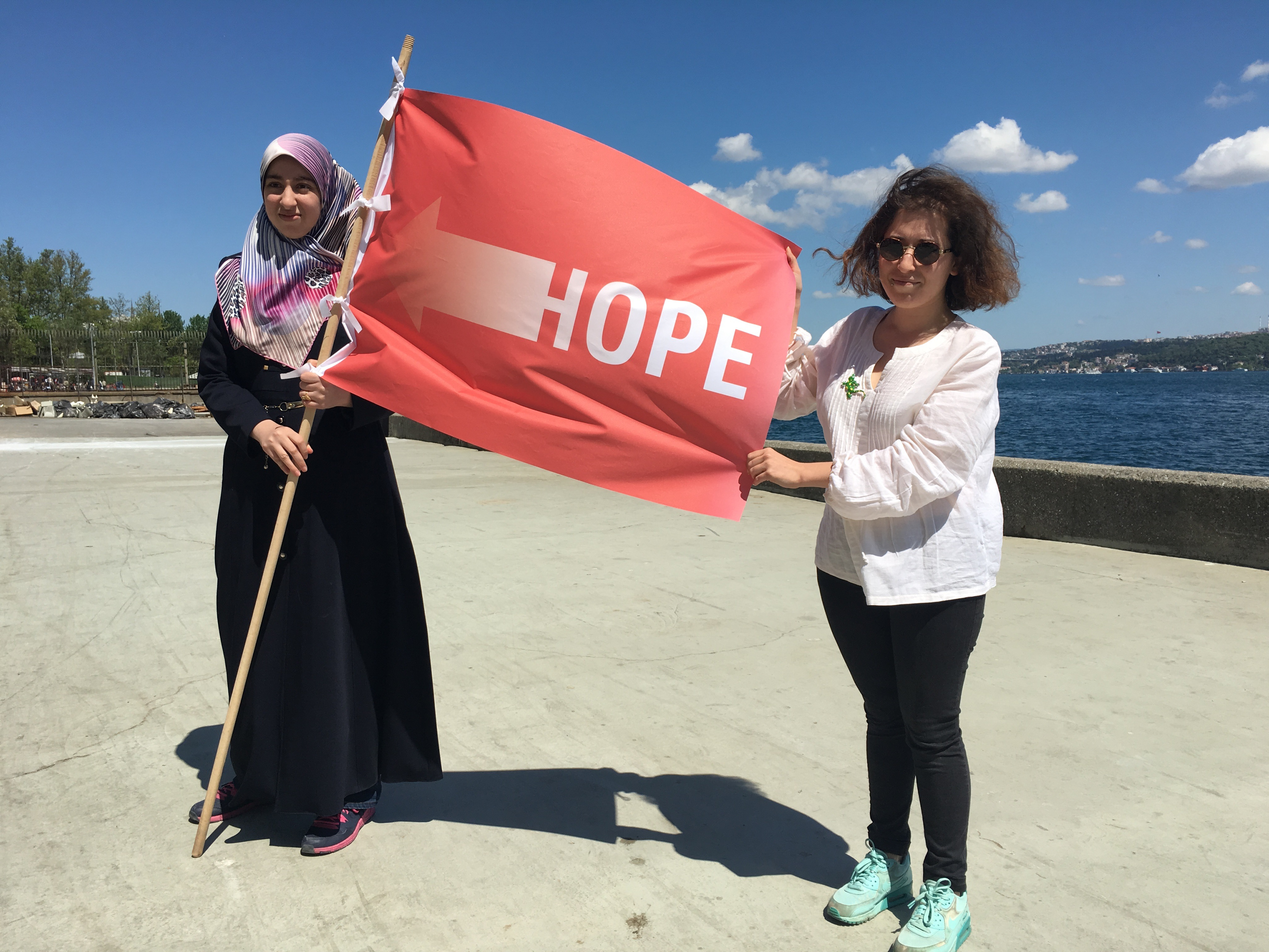 12. thonik-flagstories-Istanbul-Nikki_Gonnissen-2016