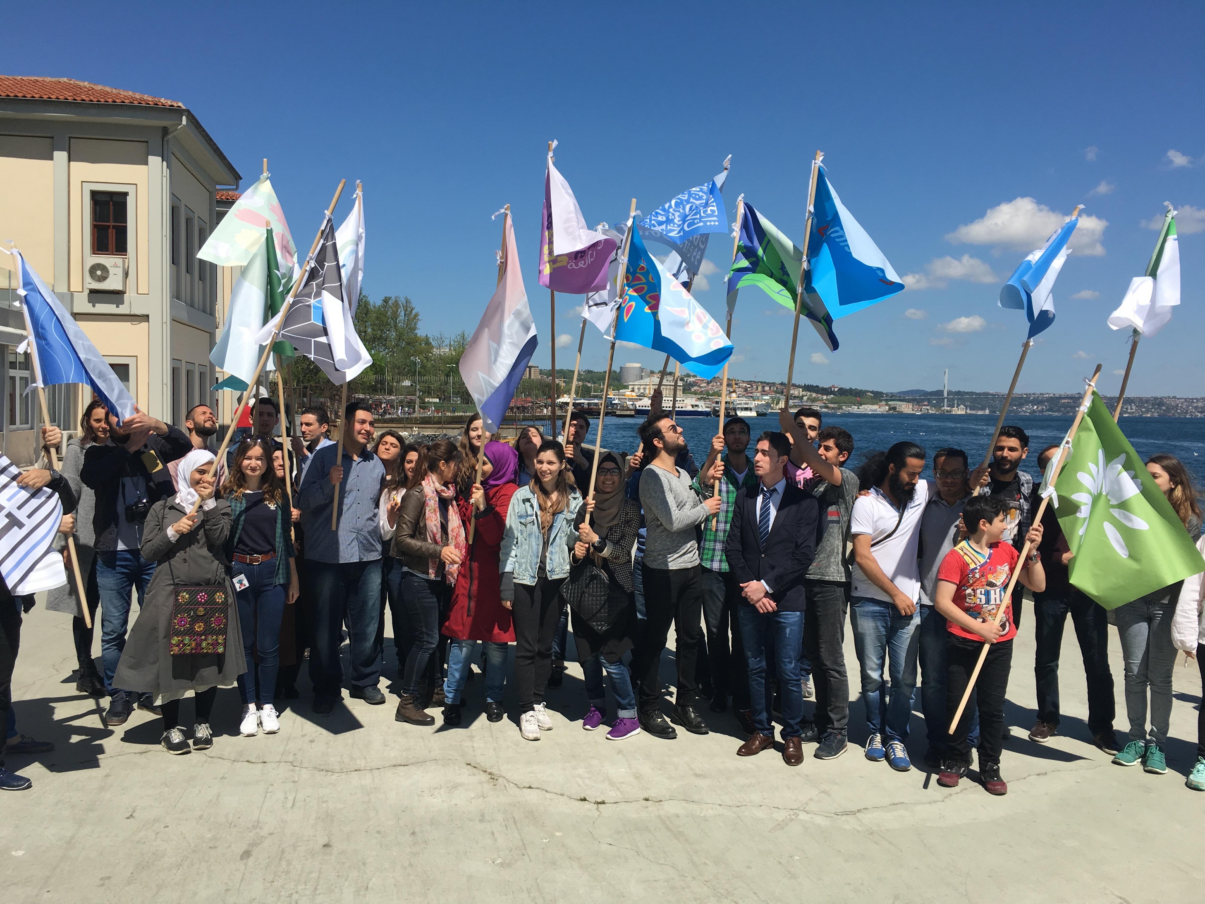 13. thonik-flagstories-Istanbul-Nikki_Gonnissen-2016
